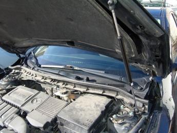 Газовый упор капота Mazda